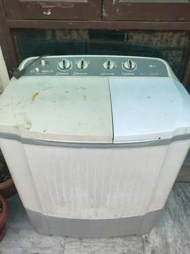 Fully working LG Washing Machine - 6.8 Kg in good condition