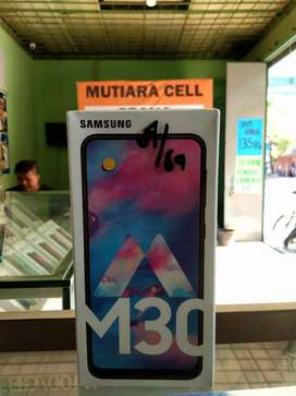 Samsung M30 ram 4/64 (bonus tempered glass)