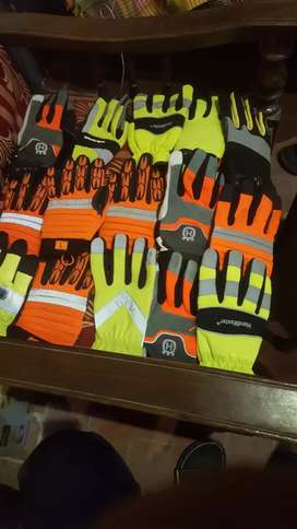 Gloves keeper low price