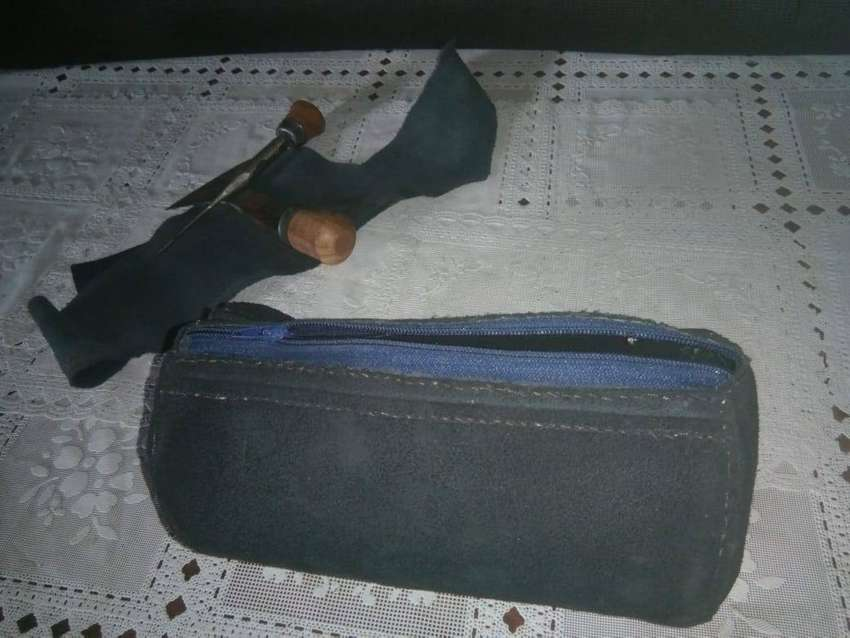 handmade leather pouch 0