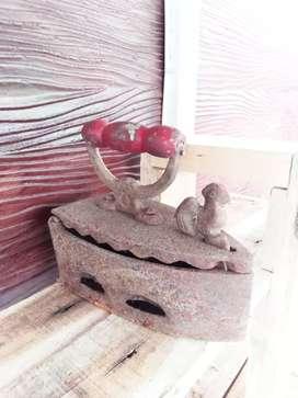 Seterika kuno antik jago