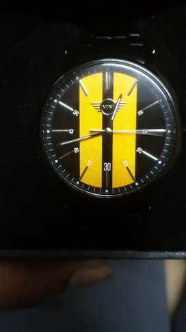 Brand new mini Cooper watch just 1 month old with box piece.