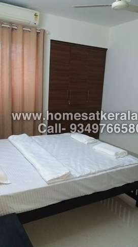 Fully furnished 3 bed flat in Kochi near Vyttila for daily weekly rent