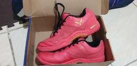 Sepatu badminton victor s82 size 41