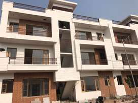 2/3BHK, Villas/kothis/situated right in the heart of city Derabassi.