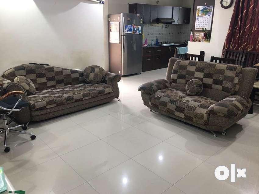 Brand sofa set 0