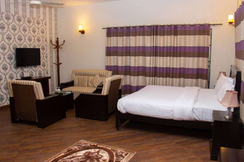 Guest house in islamabad 4000 0