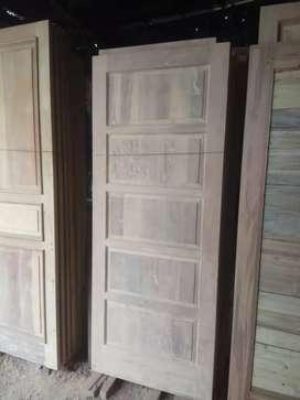 Daun pintu dan kusen minimalis