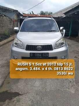 T RUSH S 1,5cc AT 2012. istimewa siap pake