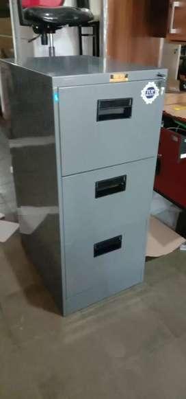 Feeling cabinet 3 laci
