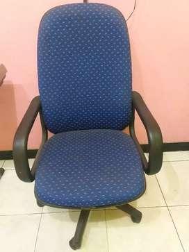 Kursi bos ( pimpinan )