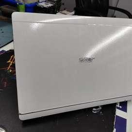 Acer Aspire SW5-171P COREI-3 4GEN 4GB RAM 256GB M. 2SSD FULL HD DISPLA