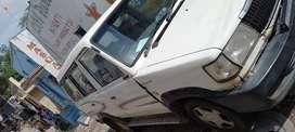Toyota Qualis 2004
