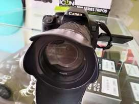 Canon 700D with 18-135mm complete box