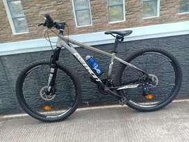 Sepeda gunung 27.5