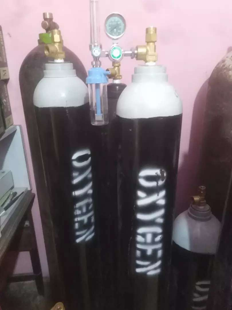 Oxygen Gas cylinder and refilling At your door step 24h services 0