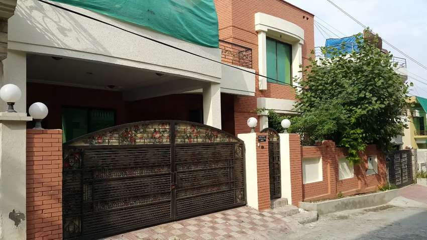 House for rent in main Chaklala Scheme 3 0