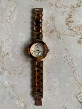 Gc metallic strap watch