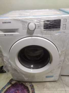Samsung 7kg front load ecobubble washing machine 1400 RPM white colour