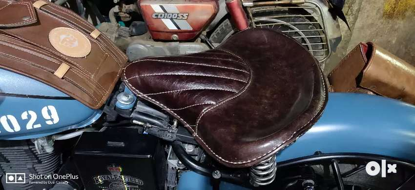 Brand New pure leather royal Enfield Seat 0