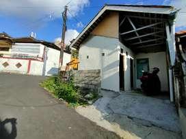 Rumah Gudang Tempat Usaha Mungil Disewakan Bs Bulanan di Ayani Ubung