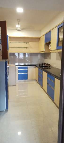 3/BHK fully furnished posh laxuri apartment rent pump well