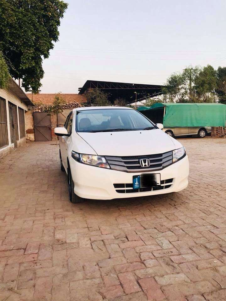 Honda City 2013 Model low mileage Almost Geunine body 0