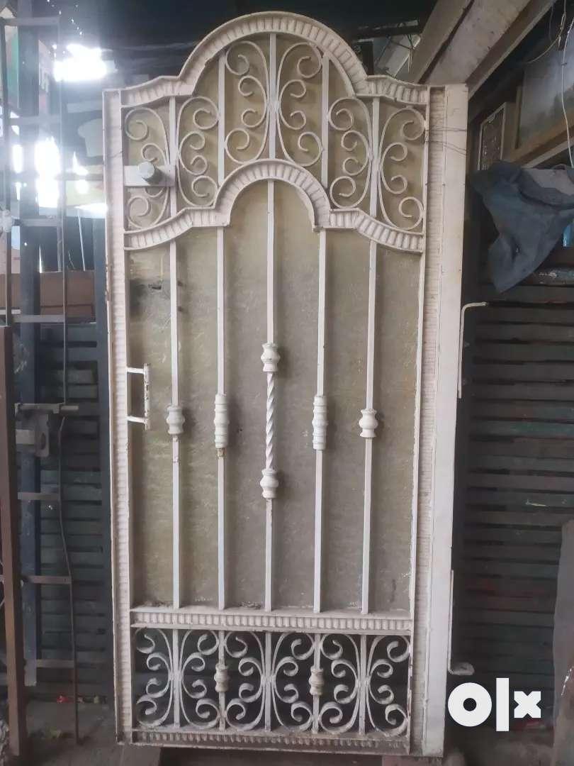 Iron gate good condition 0