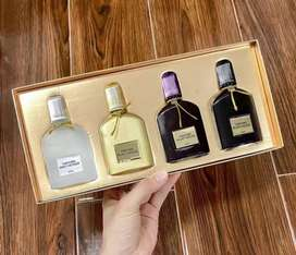 Tom Ford Perfume Suits Gift Set 4 x 30ml