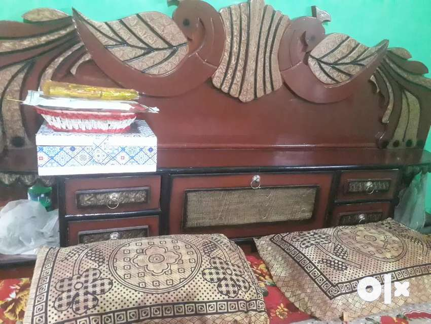 6 by 6 king size diwan bed no use 0