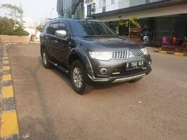 Pajero sport exceed AT 2013 grey like new ..bisa kredit