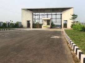 FEW PLOTS LEFT IN 50 AC GATED COMMUNITY LAYOUT 6 KM TO DUVVADA STATION