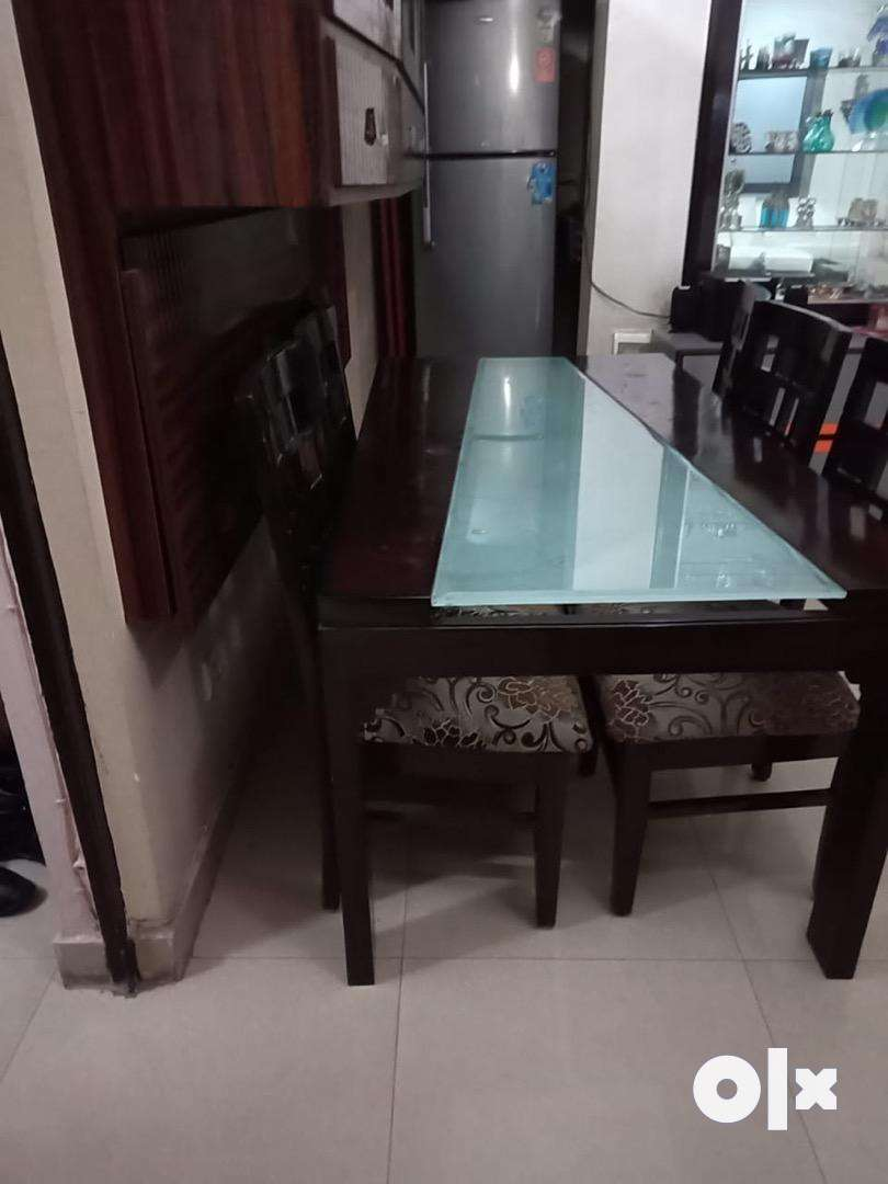 Dining table - 6 seater 0