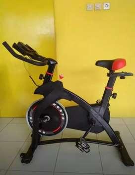 Alat fitness_spinning bike hitam baru