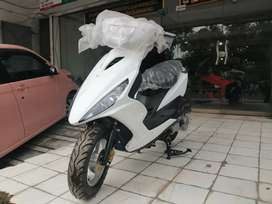 Imported 125cc automatic scooty cheaper to United scooter