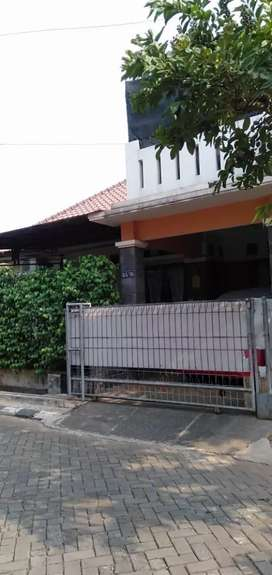 Murah rumah hoek 2,2M di Kemang Pratama 3
