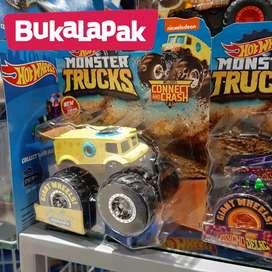 Hot wheels Monster Trucks 1 set Sponge Bob Star Wars