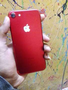 IPhone 7 128GB Red colour shine