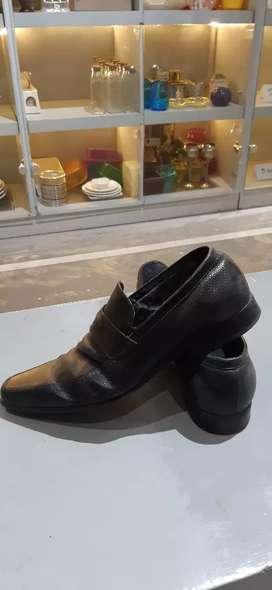 Sepatu cowok pedro