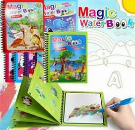 Buku Gambar Air Ajaib membantu anak-anak mengenali warna dan benda