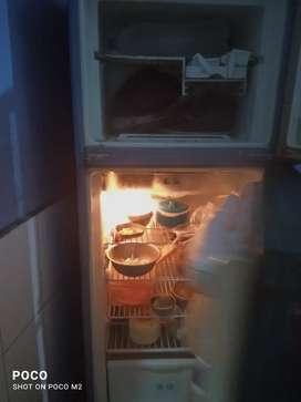 Whirpool double door refrigerator 5star