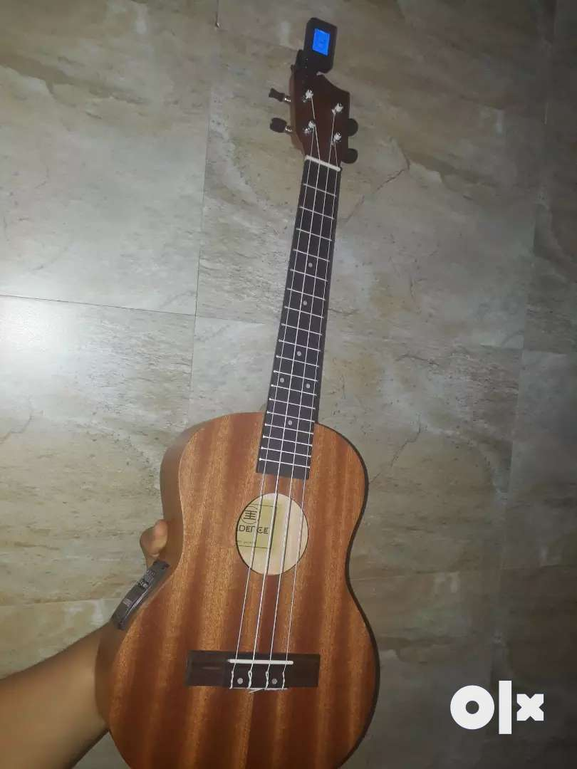 Kadence ukulele tenor size with digital tuner,bag and equilizer 0