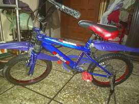 Child bicycle achi condition mai hai.7 se 8 sal tak ke bacho ke liye.