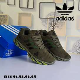 Sepatu Free box Barang laris