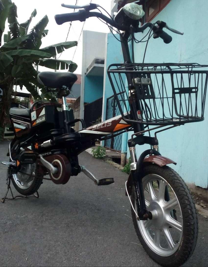 Sepeda Listrik santai merk SELIS warna coklat hitam.aki good.mesin ok 0