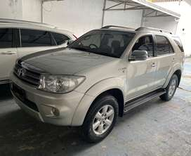 Toyota fortuner 2.7 G a/t th 2008