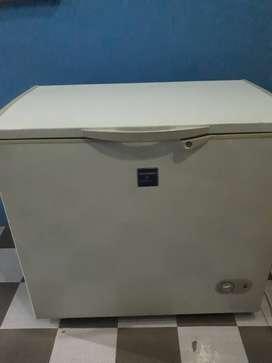 Freezer Sharp 30 ltr