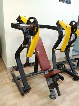 Very well equipped gym equipments