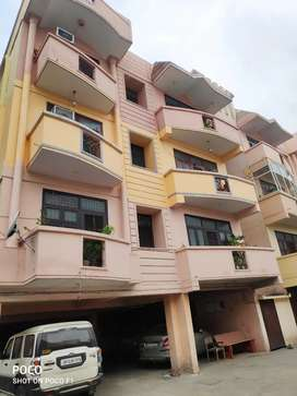 Selling big area flat with proper infrastructure and facilities