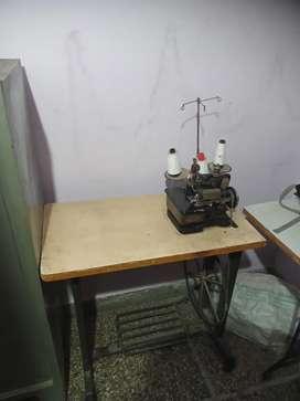 Sale over lock machine urgent good condition
